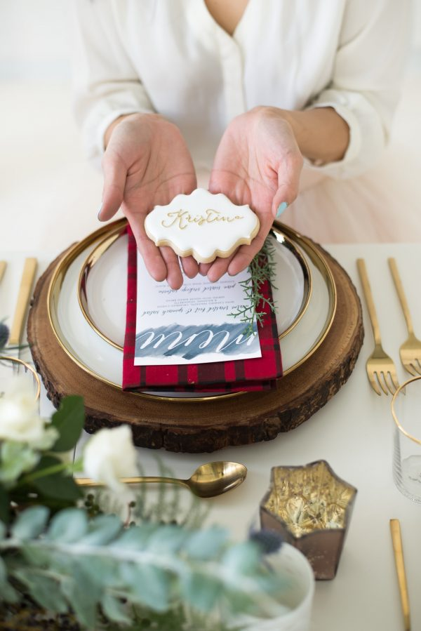 holiday tablescape sugar cookie placecard